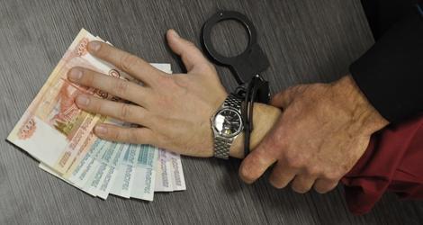 Осужден за попытку подкупить сотрудника полиции